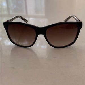 ✨Tory Burch Tribal Sunglasses